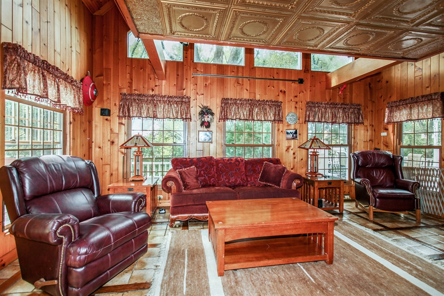 Real Estate Photography - 25550 W Cuba Rd, Barrington, IL, 60010 - Family Room