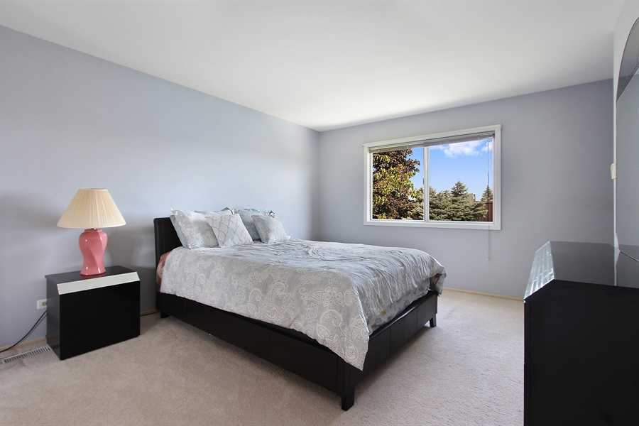 Real Estate Photography - 146 Lilac Lane, Buffalo Grove, IL, 60089 - Master Bedroom
