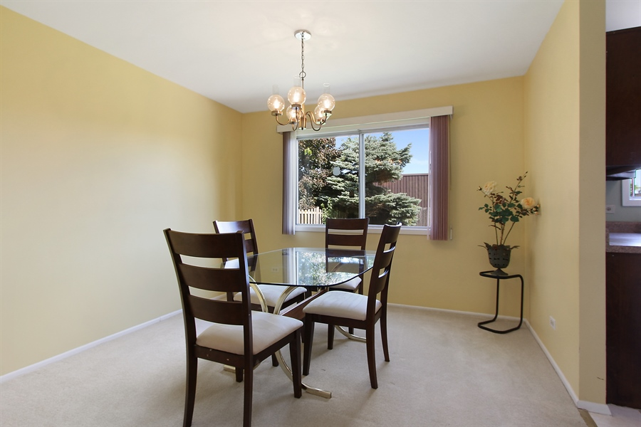 Real Estate Photography - 146 Lilac Lane, Buffalo Grove, IL, 60089 - Dining Room