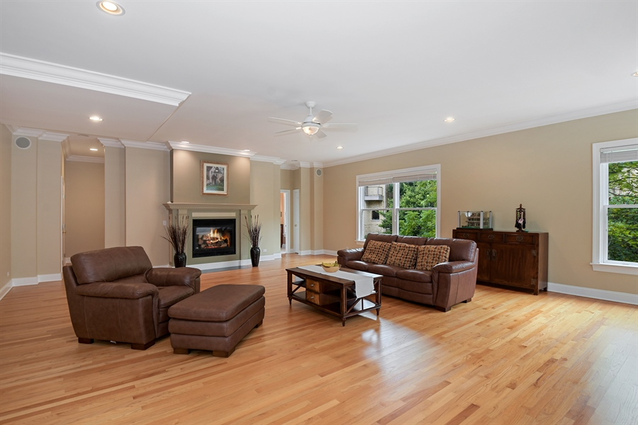 Real Estate Photography - 41 Scott Loop, Highland Park, IL, 60035 - Family Room
