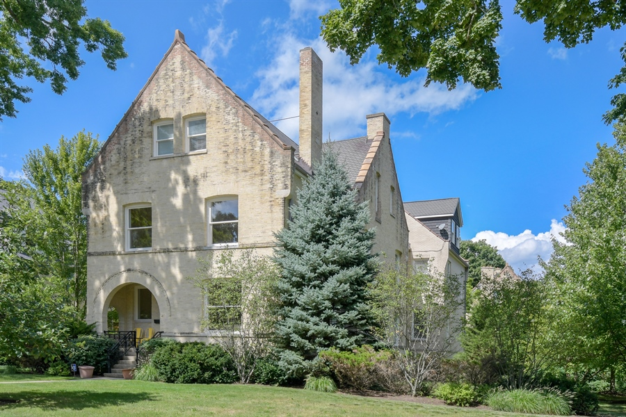 Real Estate Photography - 41 Scott Loop, Highland Park, IL, 60035 - Front View