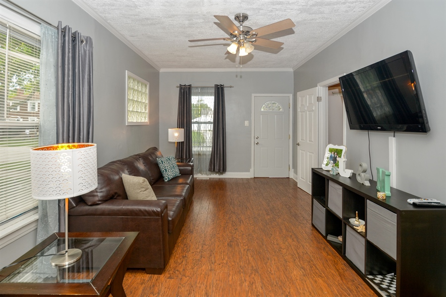 Real Estate Photography - 3923 Arthur Ave, Brookfield, IL, 60513 - Living Room