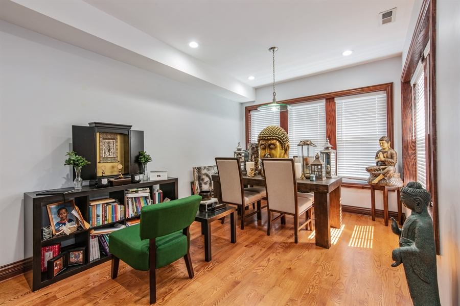 Real Estate Photography - 5634 S Priaire, 2S, Chicago, IL, 60637 - Dining Room