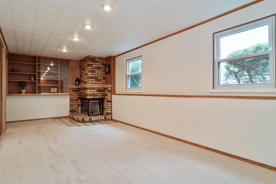 Real Estate Photography - 1885 Evergreen Ave, Hanover Park, IL, 60133 - Family Room