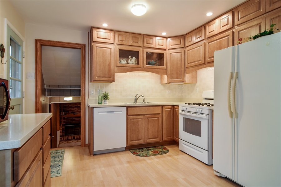 Real Estate Photography - 1885 Evergreen Ave, Hanover Park, IL, 60133 - Kitchen