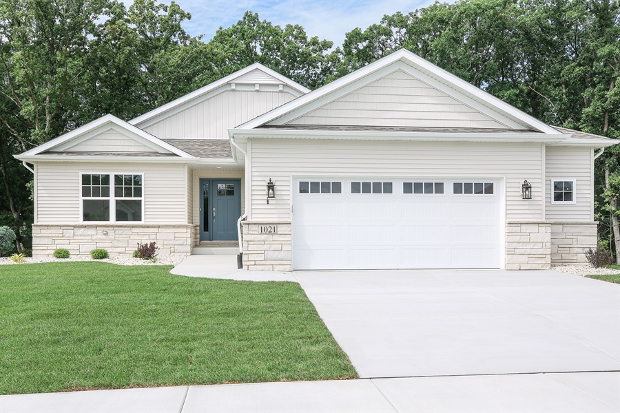 Real Estate Photography - 1025 Oak Grove Court, Crown Point, IN, 46307 - Front View