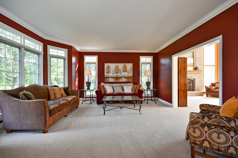 Real Estate Photography - 6n583 Promontory Ct, St Charles, IL, 60175 - Living Room