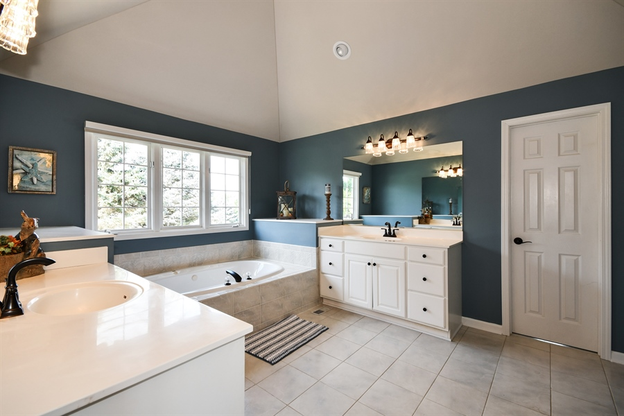 Real Estate Photography - 6n583 Promontory Ct, St Charles, IL, 60175 - Master Bathroom