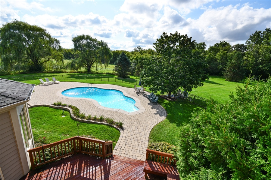 Real Estate Photography - 6n583 Promontory Ct, St Charles, IL, 60175 - View