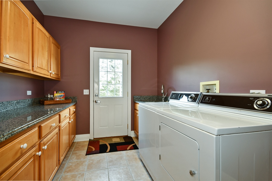 Real Estate Photography - 6n583 Promontory Ct, St Charles, IL, 60175 - Laundry Room