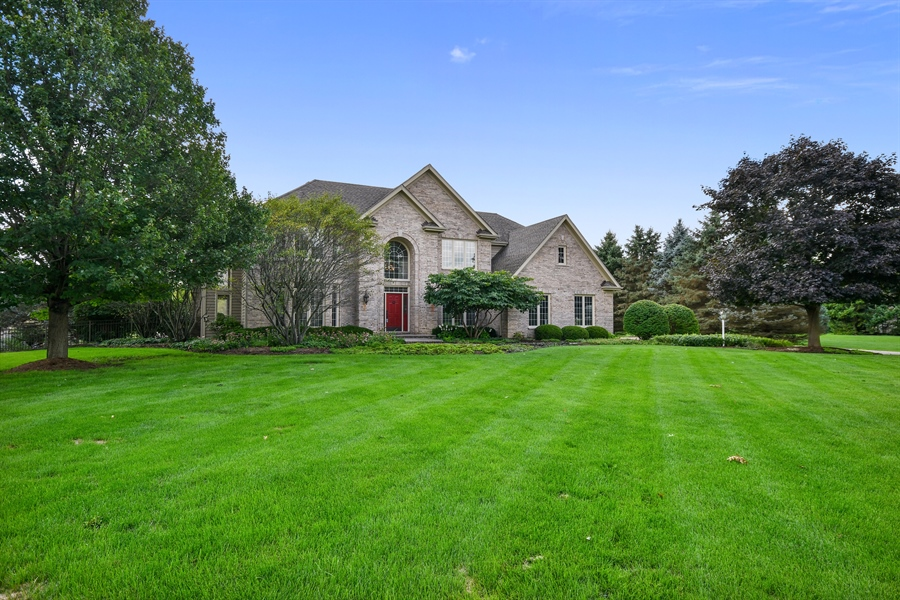 Real Estate Photography - 6n583 Promontory Ct, St Charles, IL, 60175 - Front View
