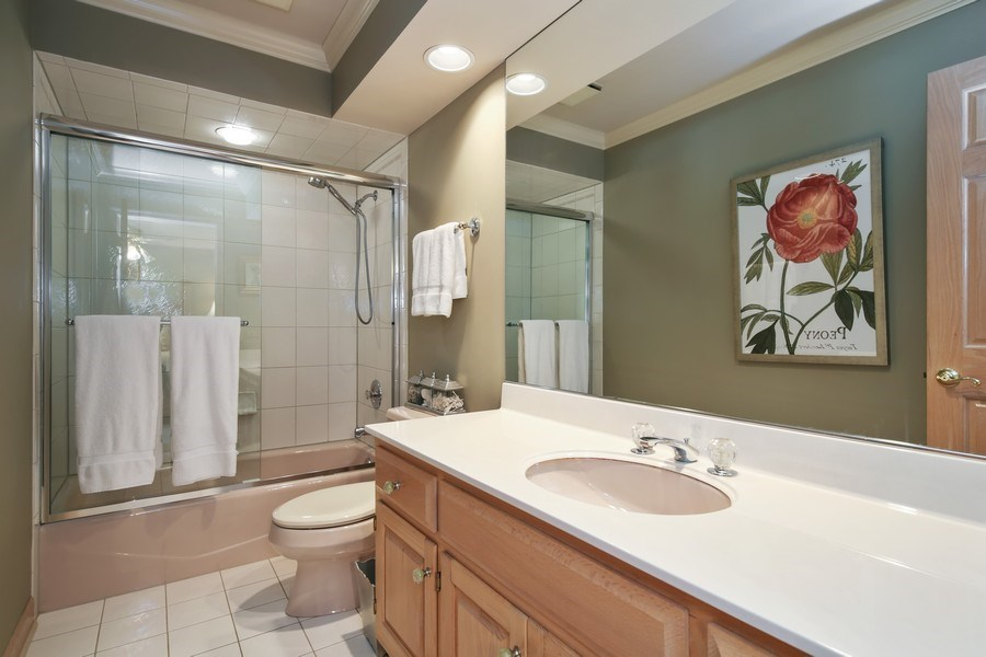 Real Estate Photography - 2 Brighton Place, Burr Ridge, IL, 60527 - 4th Bathroom