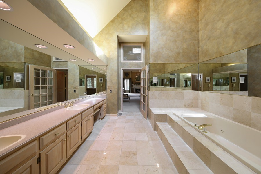 Real Estate Photography - 2 Brighton Place, Burr Ridge, IL, 60527 - Master Bathroom