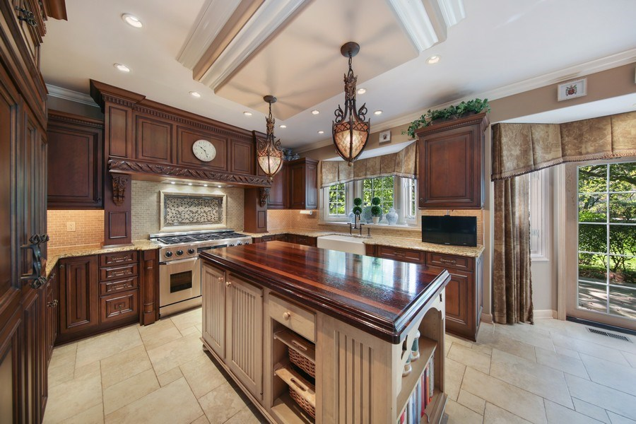Real Estate Photography - 2 Brighton Place, Burr Ridge, IL, 60527 - Kitchen