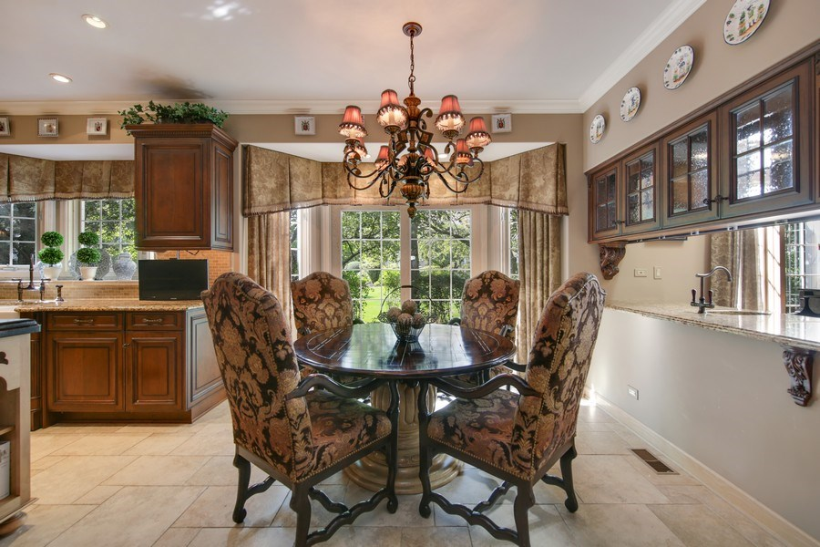 Real Estate Photography - 2 Brighton Place, Burr Ridge, IL, 60527 - Breakfast Area