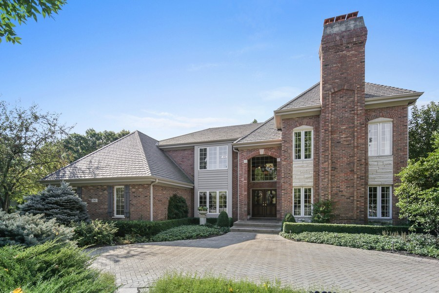 Real Estate Photography - 2 Brighton Place, Burr Ridge, IL, 60527 - Front View