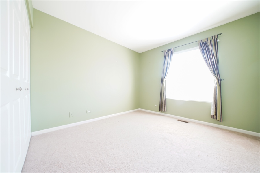 Real Estate Photography - 132 Morgann Gate Drive, Wood Dale, IL, 60191 - 2nd Bedroom