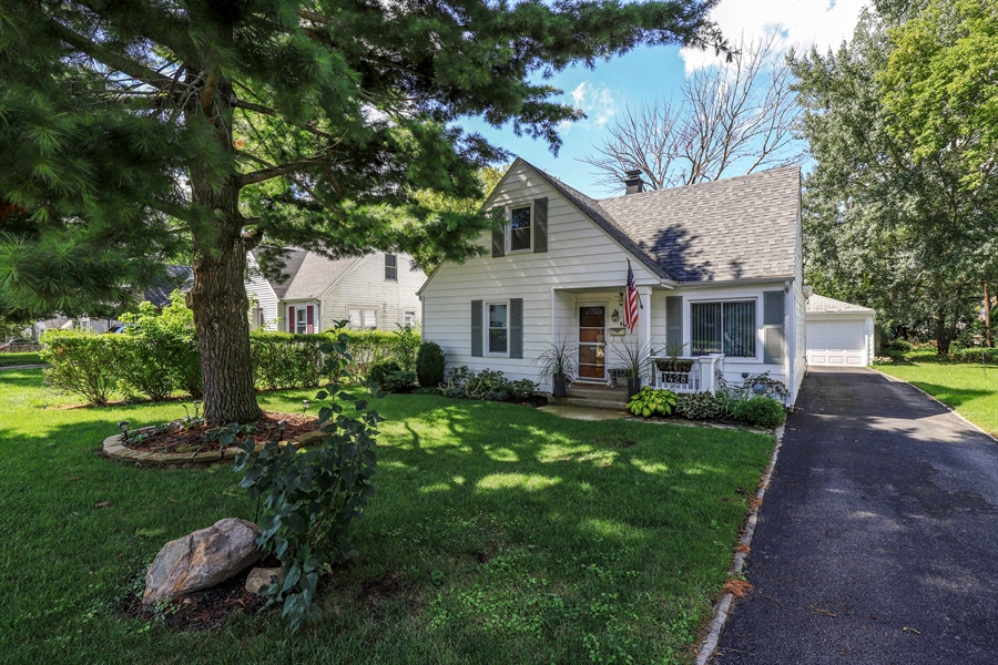 Real Estate Photography - 1428 Pine Grove Ave, Round Lake Beach, IL, 60073 - Front View