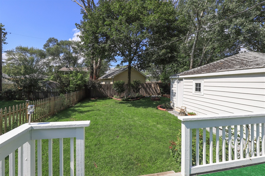 Real Estate Photography - 1428 Pine Grove Ave, Round Lake Beach, IL, 60073 - Deck