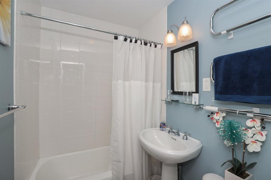 Real Estate Photography - 1428 Pine Grove Ave, Round Lake Beach, IL, 60073 - Bathroom