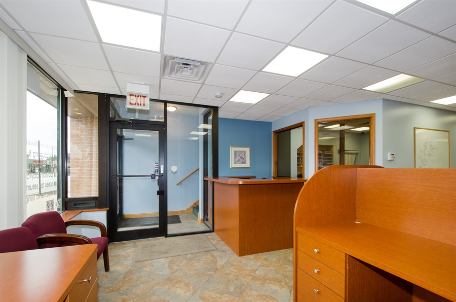 Real Estate Photography - 5481 N Milwaukee, Chicago, IL, 60630 - Office