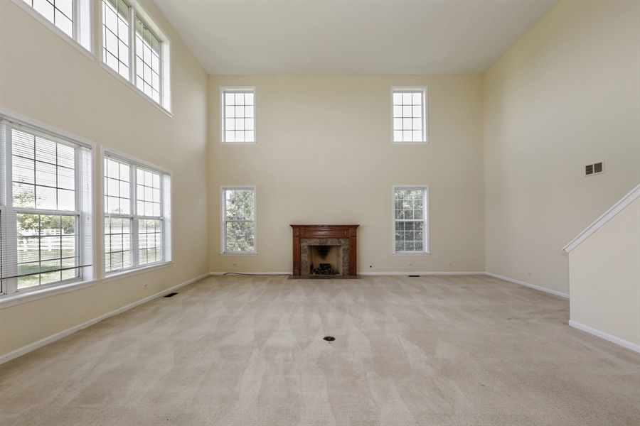 Real Estate Photography - 705 Goodman Ct, Barrington Hills, IL, 60010 - Family Room