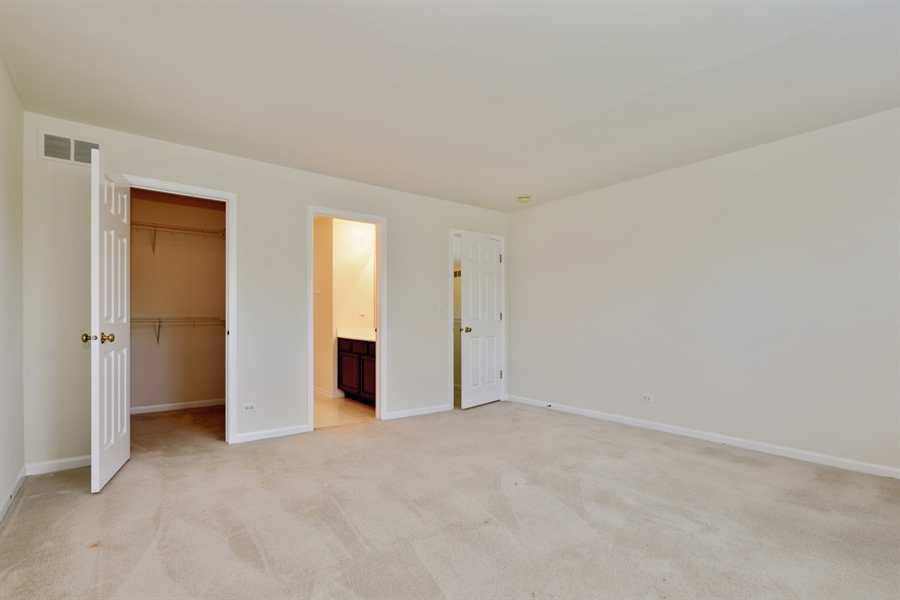 Real Estate Photography - 705 Goodman Ct, Barrington Hills, IL, 60010 - 4th Bedroom