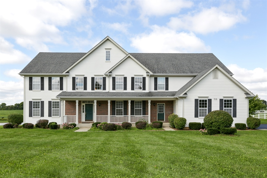 Real Estate Photography - 705 Goodman Ct, Barrington Hills, IL, 60010 - Front View