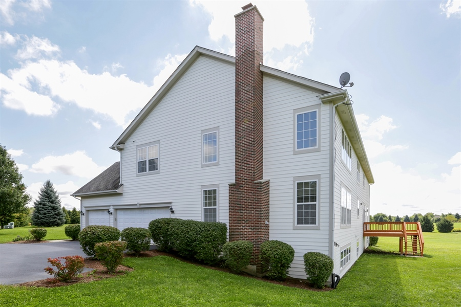 Real Estate Photography - 705 Goodman Ct, Barrington Hills, IL, 60010 - Side View