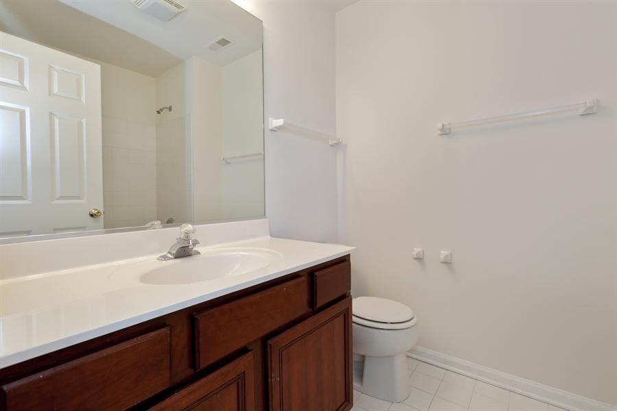 Real Estate Photography - 705 Goodman Ct, Barrington Hills, IL, 60010 - 2nd Bathroom