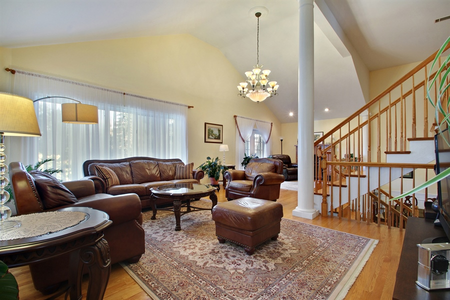 Real Estate Photography - 1710 W Oakton, Arlington Heights, IL, 60004 - Living Room
