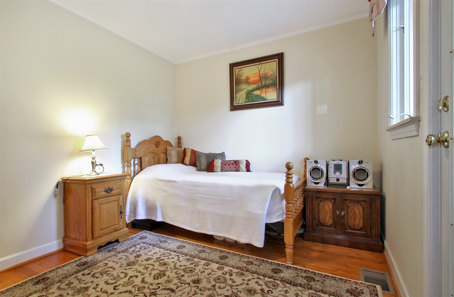 Real Estate Photography - 1710 W Oakton, Arlington Heights, IL, 60004 - Additional Bedroom