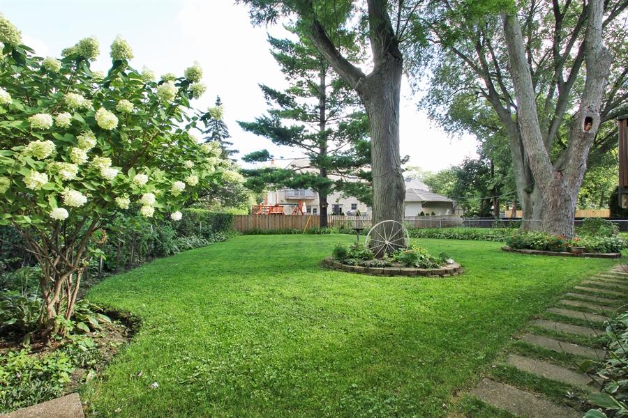 Real Estate Photography - 1710 W Oakton, Arlington Heights, IL, 60004 - Back Yard