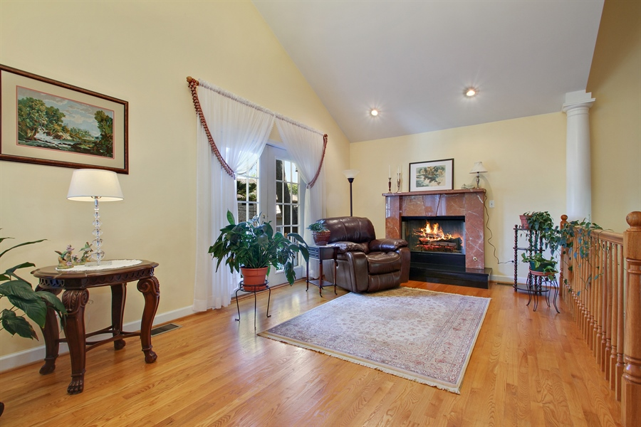 Real Estate Photography - 1710 W Oakton, Arlington Heights, IL, 60004 - Family Room