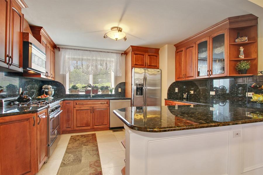 Real Estate Photography - 1710 W Oakton, Arlington Heights, IL, 60004 - Kitchen