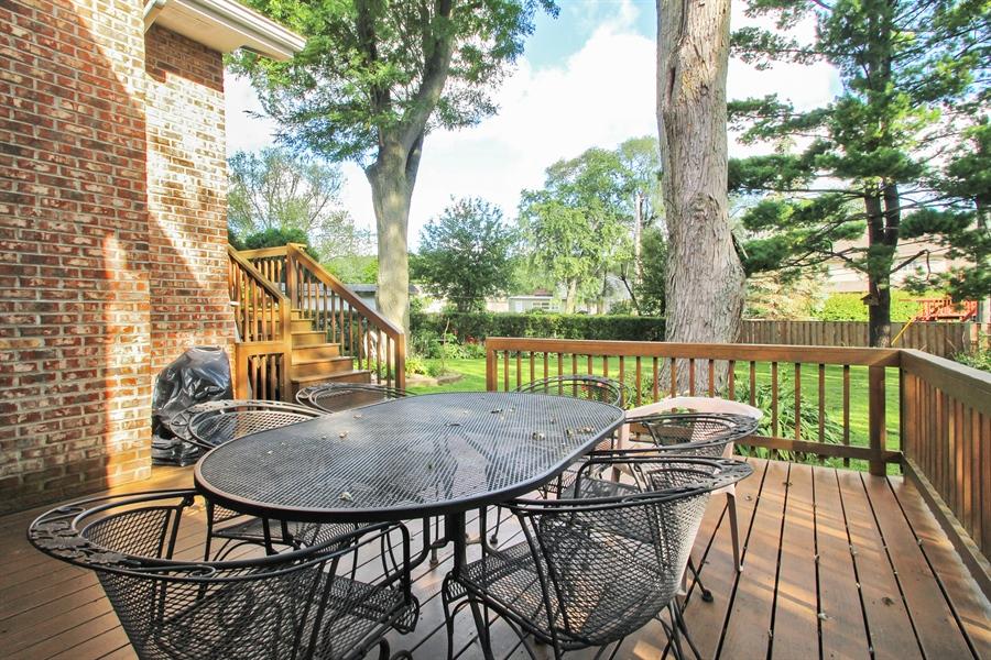 Real Estate Photography - 1710 W Oakton, Arlington Heights, IL, 60004 - Deck