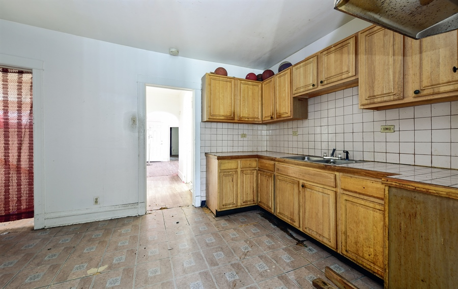 Real Estate Photography - 6640 S Wolcott, Chicago, IL, 60636 - Kitchen
