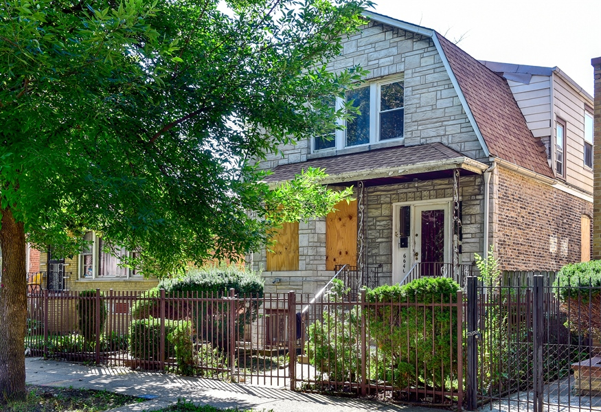 Real Estate Photography - 6640 S Wolcott, Chicago, IL, 60636 - Front View