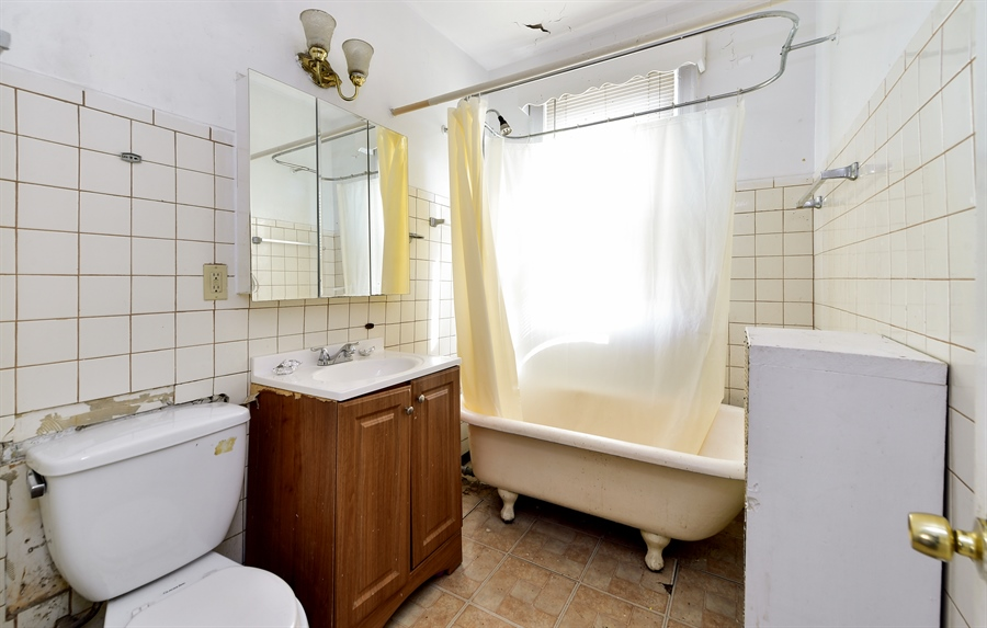 Real Estate Photography - 6640 S Wolcott, Chicago, IL, 60636 - Bathroom