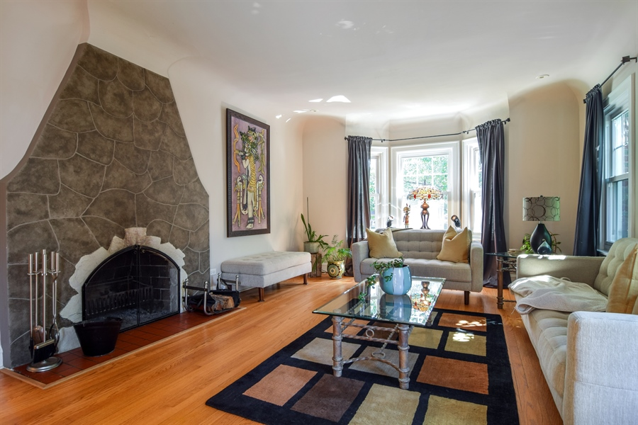 Real Estate Photography - 928 S. Harvard Ave., Villa Park, IL, 60181 - Living Room