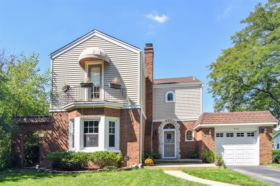 Real Estate Photography - 928 S. Harvard Ave., Villa Park, IL, 60181 - Front View