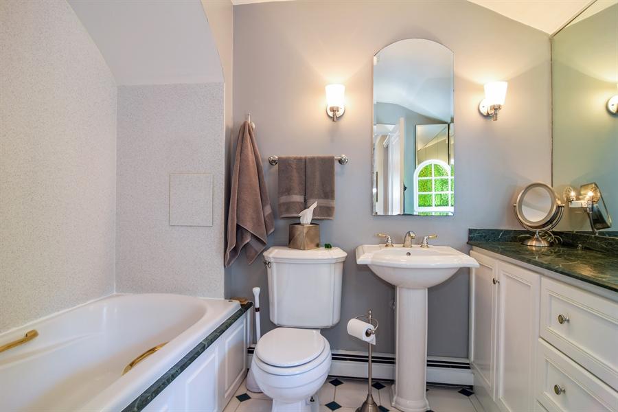 Real Estate Photography - 928 S. Harvard Ave., Villa Park, IL, 60181 - Bathroom