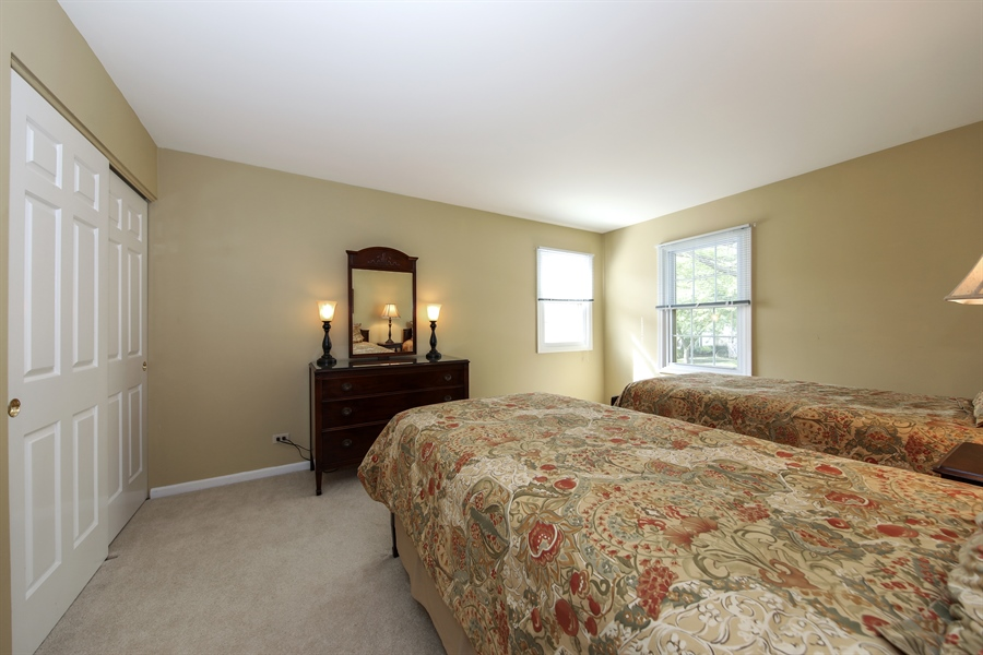 Real Estate Photography - 2510 Mill Creek Ln., Rolling Meadows, IL, 60008 - 2nd Bedroom
