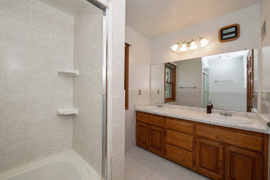 Real Estate Photography - 9326 W Stanford Ct, Mequon, WI, 53097 - Master Bathroom