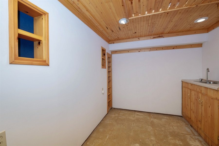Real Estate Photography - 9326 W Stanford Ct, Mequon, WI, 53097 - Bonus Room