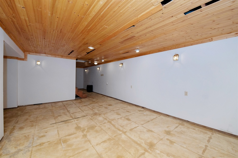 Real Estate Photography - 9326 W Stanford Ct, Mequon, WI, 53097 - Basement