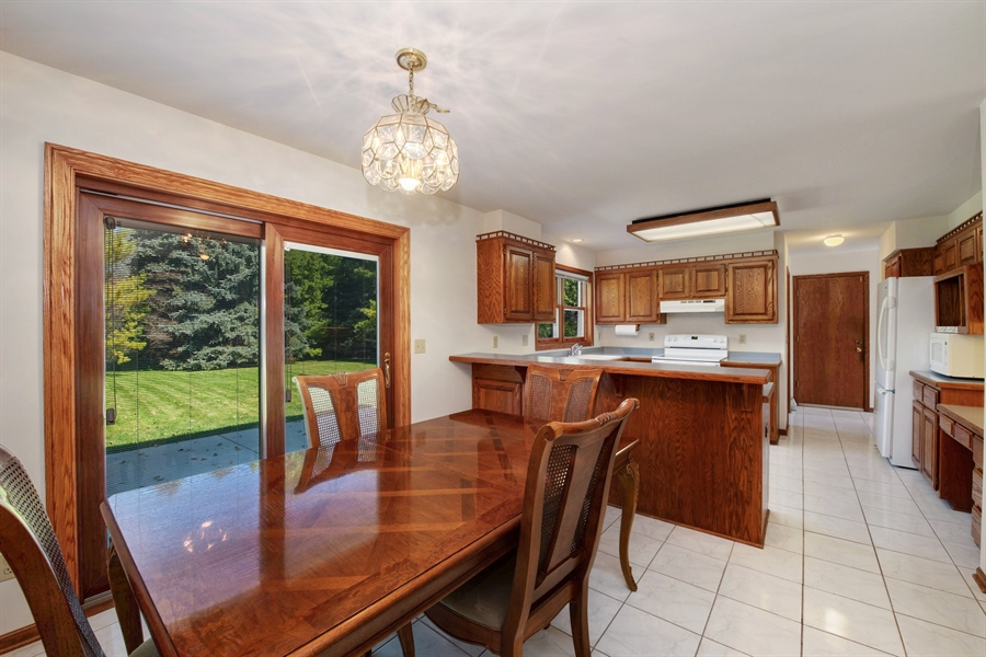 Real Estate Photography - 9326 W Stanford Ct, Mequon, WI, 53097 - Dining Area