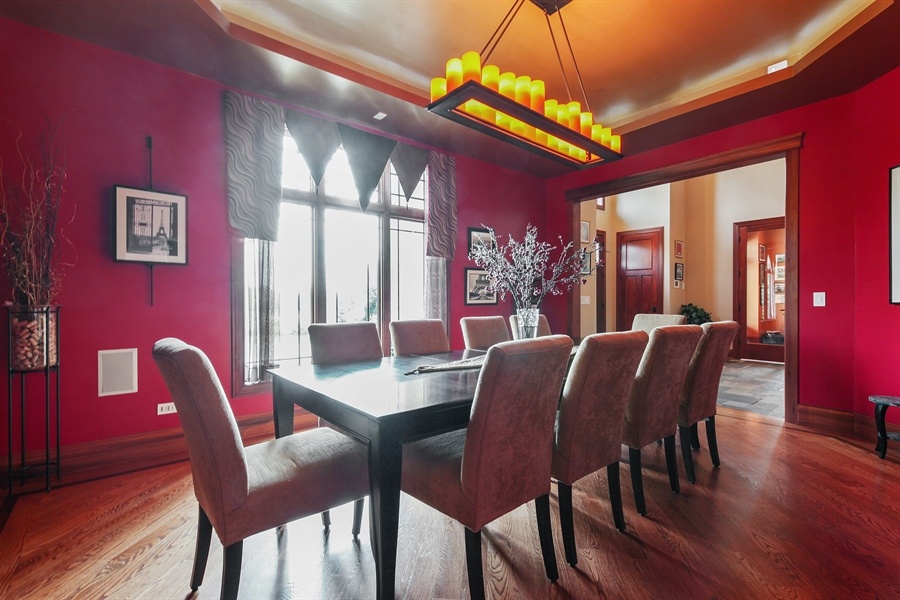 Real Estate Photography - 10 W Peter Ln, Hawthorn Woods, IL, 60047 - Dining Room