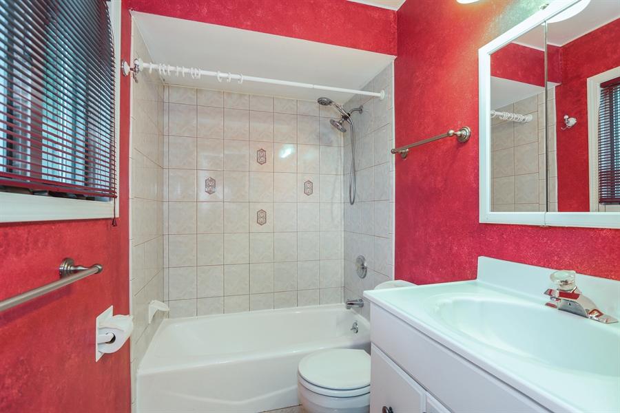 Real Estate Photography - 838 S. Villa Ave., Villa Park, IL, 60181 - Master Bathroom