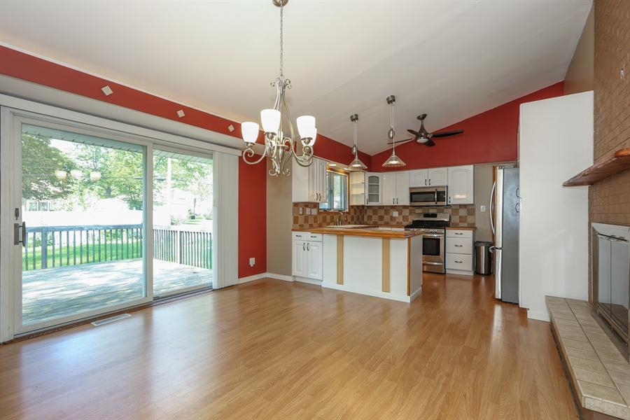 Real Estate Photography - 838 S. Villa Ave., Villa Park, IL, 60181 - Kitchen / Breakfast Room